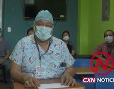 Rodolfo Véliz, director del Hospital de Malacatán San Marcos, confirmó los casos de covid-19 en ese centro asistencial. (Foto Prensa Libre: Tomada de video)