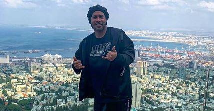 """Caso de Ronaldinho: el brasileño evade a la prensa y cumple 37 días en su """"celda de oro"""""""