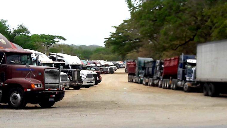 El precio del flete podría aumentar en un 50% sino llegaran a un acuerdo con los países centroamericanos que establecieron restricciones por covid-19. (Foto Prensa Libre: Cortesía)