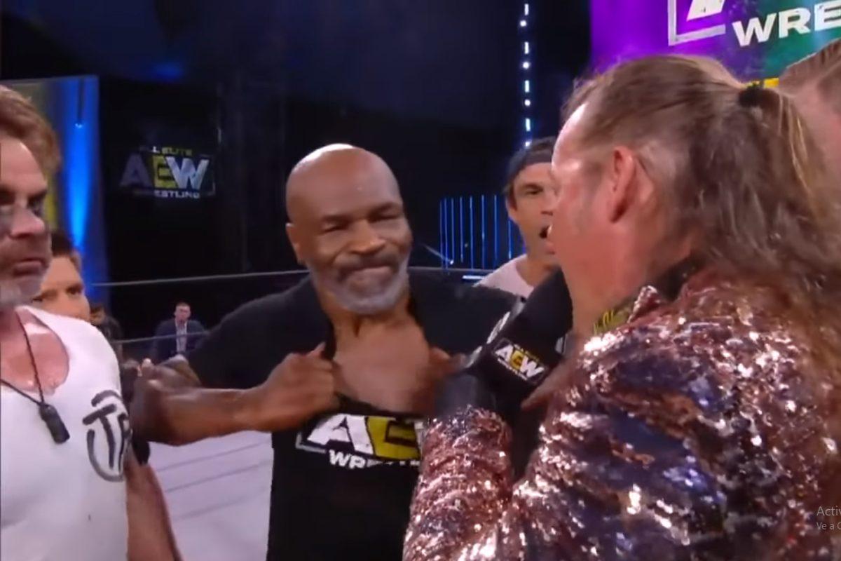 Mike Tyson origina una batalla campal en la lucha libre antes de volver a boxear nuevamente