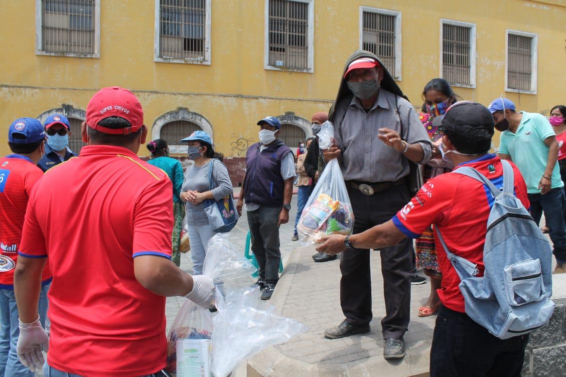 Coronavirus en Guatemala   Socios de Xelajú apoyan a vendedores del estadio Mario Camposeco