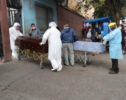 Ministro señala fallas tecnológicas en sistemas del hospital para el traslado de información de los fallecidos.