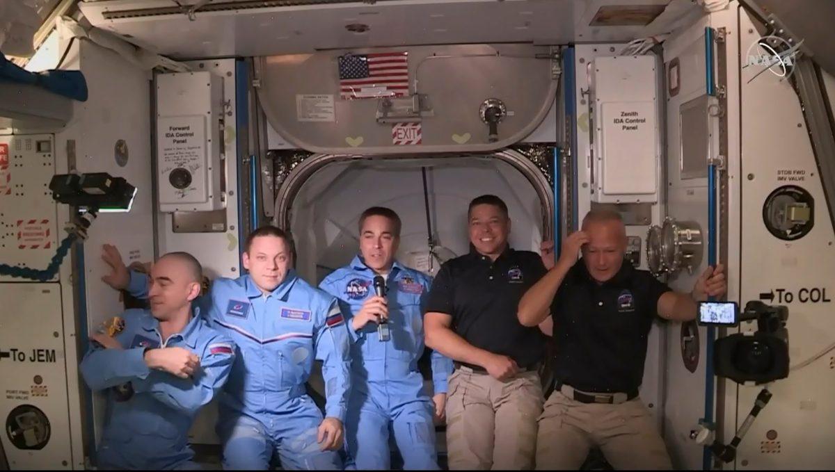 Crew Dragon del SpaceX se acopla a la Estación Especial Internacional