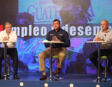 Panelistas del Foro Económico de Prensa Libre y Guatevisión. (Foto Prensa Libre: Óscar Rivas)