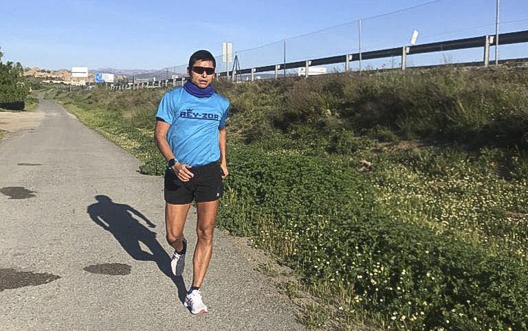 Barrondo y Ortiz vuelven a entrenar en el asfalto después de ocho semanas de aislamiento