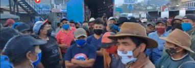 Campesinos bloquearon los Encuentros durante dos horas.
