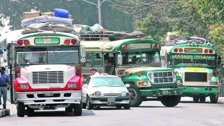 El gobierno central no tiene fecha estipulada para la rehabilitación del servicio de transporte urbano y extraurbano. (Foto Prensa Libre: Hemeroteca PL)