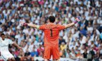GRA516. MADRID. 13/05/2015.- El portero del Real Madrid, Iker Casillas, durante el partido frente a la Juventus de TurÌn de vuelta de la semifinal de la Liga de Campeones que se juega esta noche en el estadio Santiago BernabÈu, en Madrid. EFE/Ballesteros