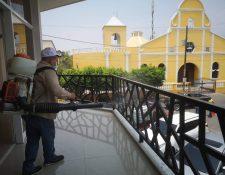 El Ministerio de Salud estableció un cordón sanitario que abarca la totalidad de la aldea Mayuelas y la cabecera municipal del Municipio de Gualán en Zacapa. (Foto Prensa Libre: Dony Stewart)