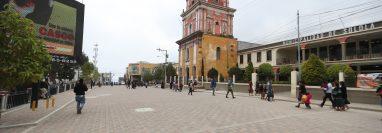Municipalidad de Sololá reforzó las medidas de higiene en el casco urbano ante dos casos de covid-19. (Foto Prensa Libre: Mynor Toc)