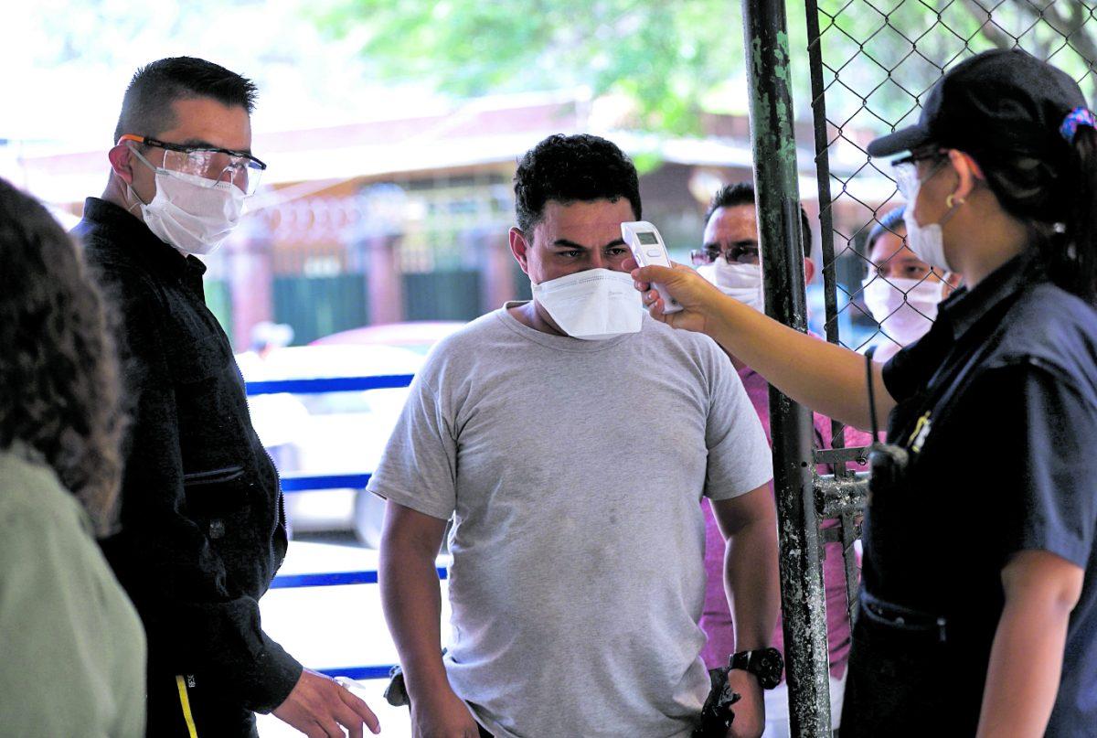 Alejandro Giammattei confirma 44 casos nuevos de coronavirus en Guatemala y dice que anunciará nuevas medidas