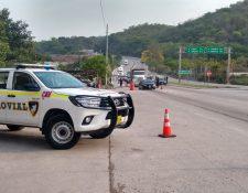 Una patrulla de Provial vigila un sector de la Ruta al Atllántico, la más riesgosa en cuanto a derrumbes durante la época de lluvias. (Foto Prensa Libre: Cortesía)