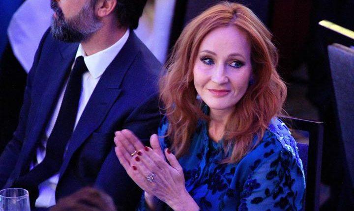 J. K. Rowling fue acusada de discriminación por un comentario que hizo en su cuenta de Twitter. Foto de archivo Prensa Libre: AFP