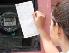 Las distribuidoras de energía con las encargadas de cobrar al usuario la factura por el suministro de electricidad que los generadores les proveen. (Foto, Prensa Libre: Hemeroteca PL).