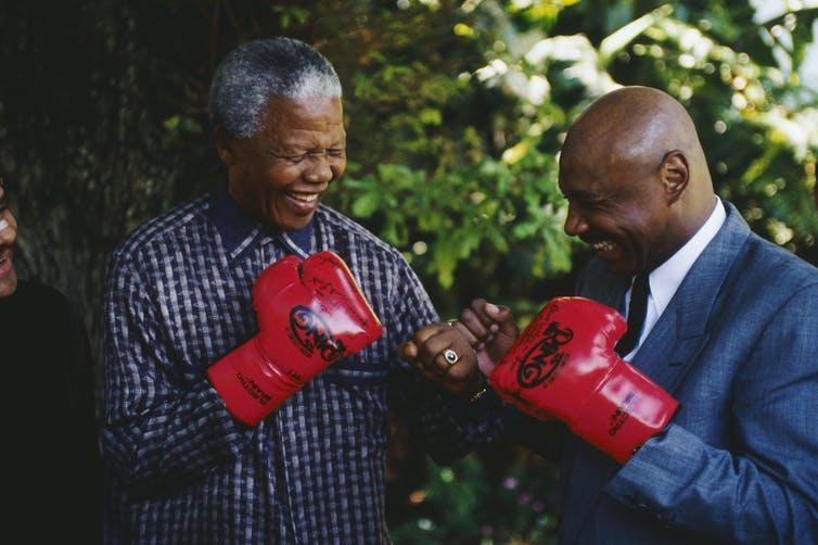 Lecciones de confinamiento: así se mantuvo en forma Nelson Mandela fuera y dentro de la cárcel