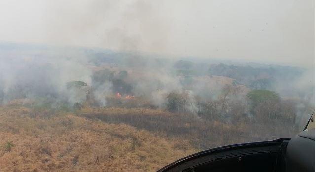 Incendio forestal provocado en México se extiende por reserva natural en Petén