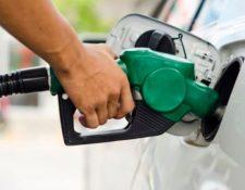 Los expendios de combustible también deberán respetar ciertas restricciones y horarios. (Foto, Prensa Libre: Hemeroteca PL).