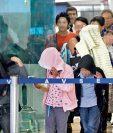 Menores migrantes ingresan al país por el Aeropuerto La Aurora. (Foto Prensa Libre: Hemeroteca PL)