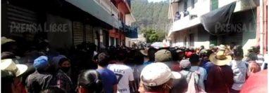 Tensión en Ixtahuacán, Huehuetenango, en medio de toque de queda por el coronavirus. (Foto Prensa Libre)