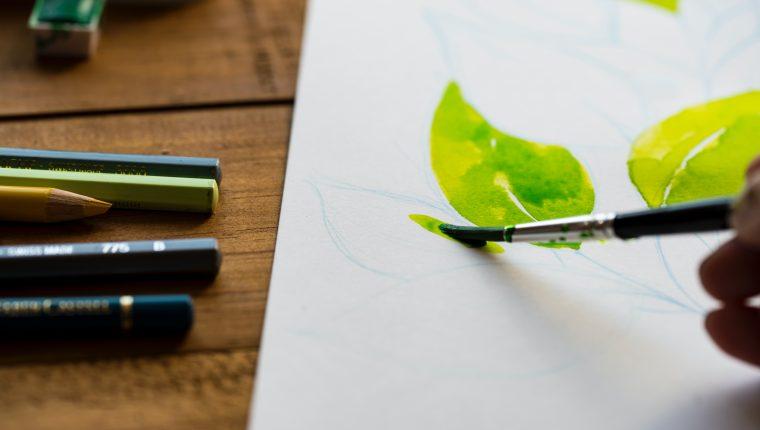 Las actividades que fomentan la creatividad le ayudarán a mentener la estabilidad emocional durante el confinamiento, (Foto Prensa Libre; Unsplash)