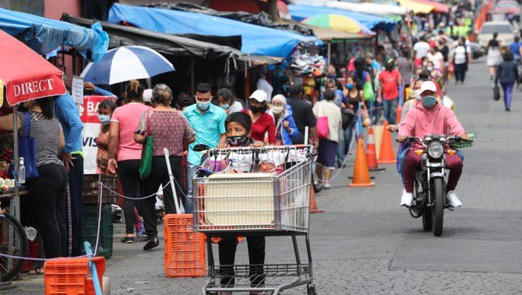 Hasta ahora la comunidad científica cree que los menores no son un grupo de riesgo de coronavirus. (Foto Prensa Libre: Hemeroteca PL)