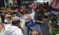 Los comercios, mercados y supermercados deben permanecer cerrados el próximo fin de semana. (Foto Prensa Libre: Érick Ávila)