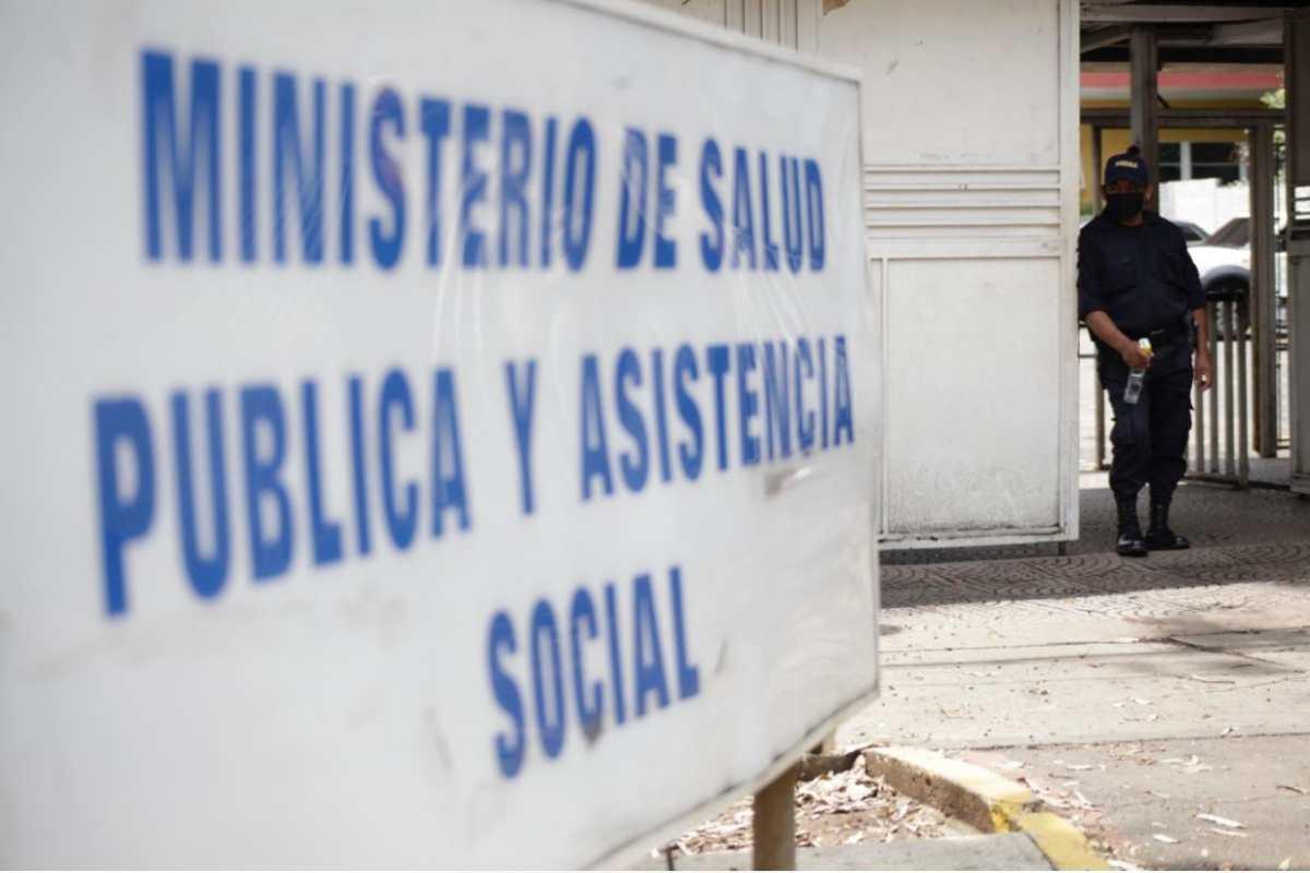 Ministerio de Salud y comuna capitalina confirman casos positivos de coronavirus