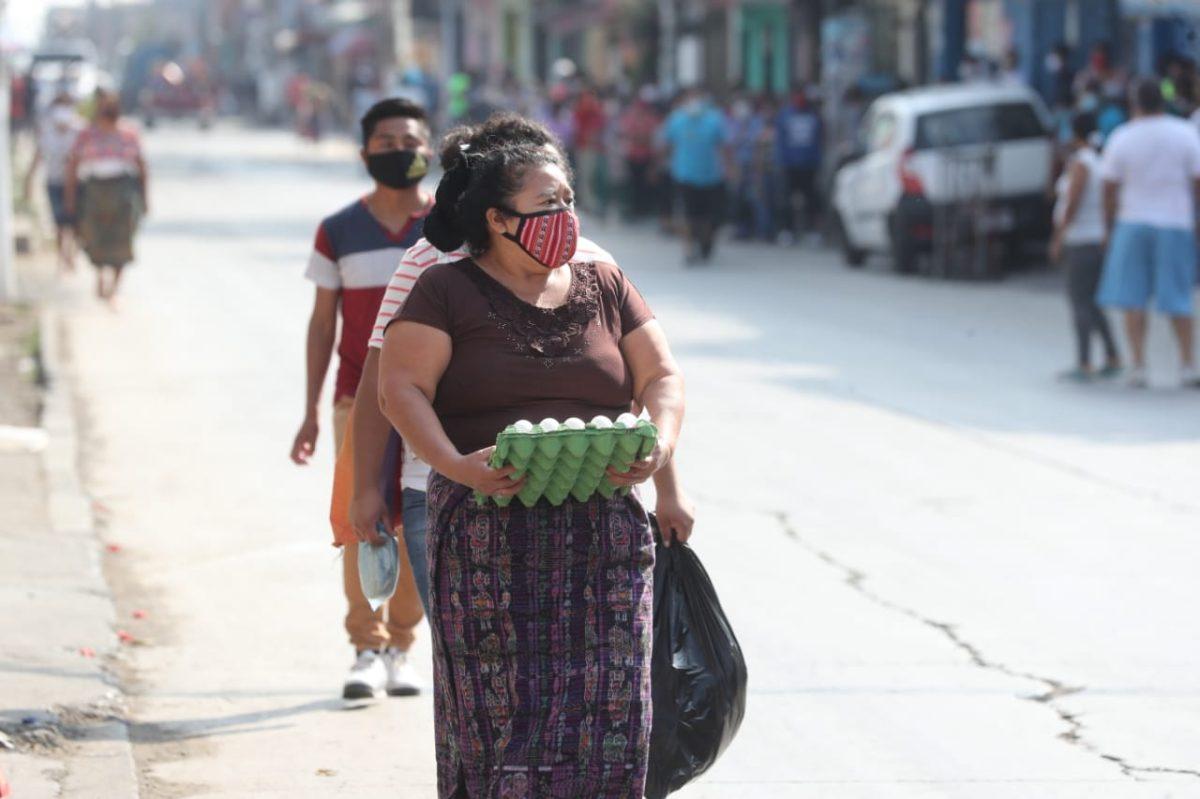 Empiezan a reportar aumento de precios luego de alta afluencia en tiendas de barrio