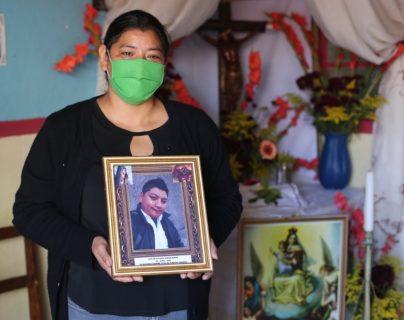"""""""Carlos entró al hospital y no lo volvimos a ver, ahora resulta que murió por coronavirus y lo enterraron sin avisarnos"""", denuncia familia de víctima"""