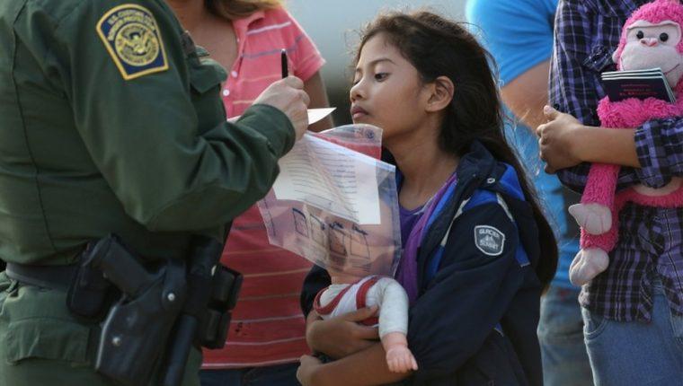 Más de 900 menores de edad que cruzaron solos a EE.UU. fueron expulsados en marzo y abril (foto de archivo). GETTY IMAGES