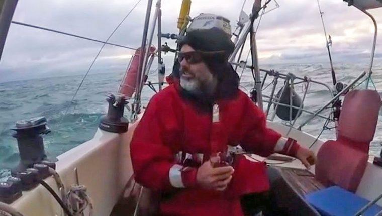 Ballestero navegó solo por casi tres meses para poder estar con su familia en su ciudad natal de Mar del Plata.