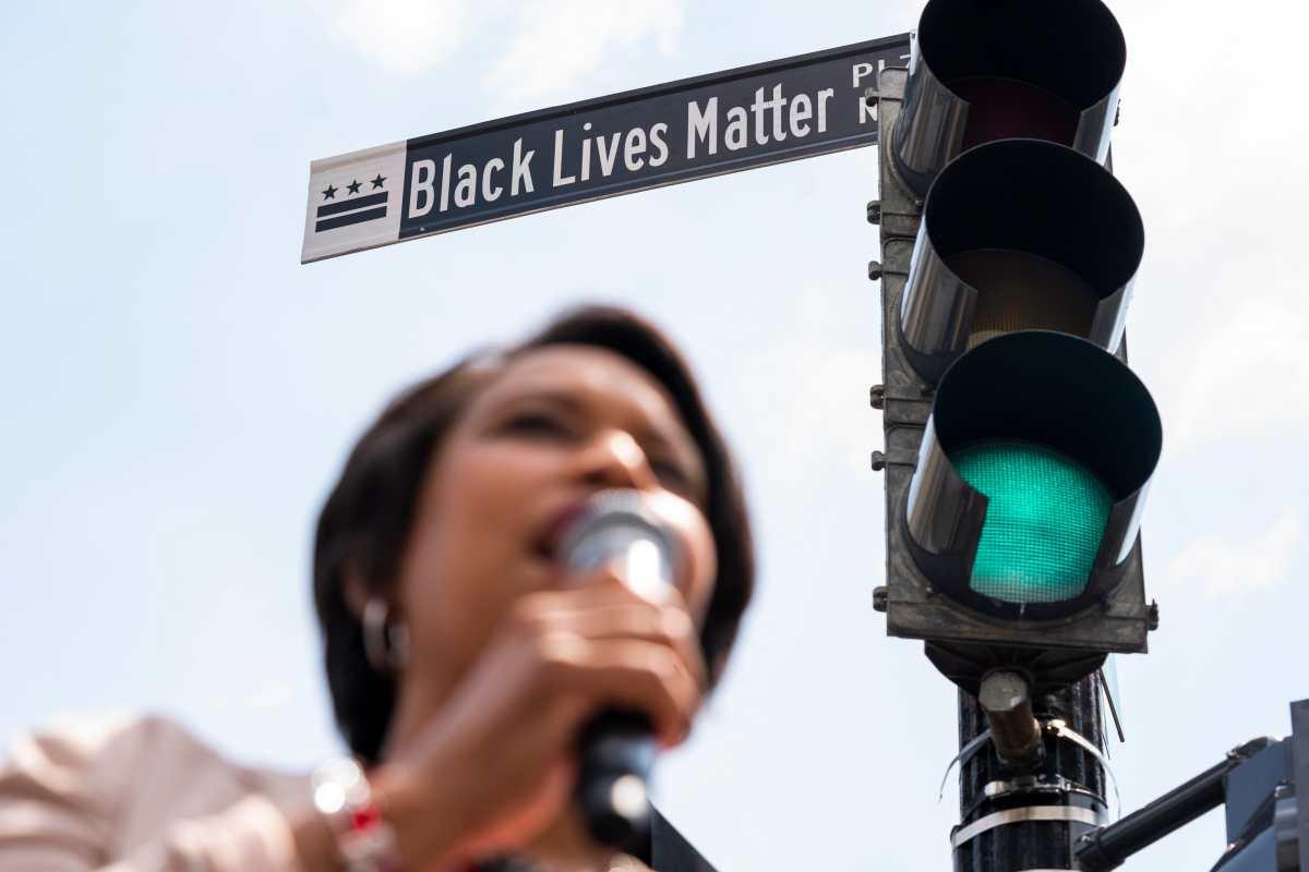 George Floyd: Cambian el nombre de una calle frente a la Casa Blanca