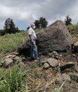 Un petroglifo usado como 'piedra-mapa' hace alrededor de 2.000 años fue registrado por el INAH de México, en el estado de Colima. La piedra tiene oquedades que representarían aldeas, así como líneas asociadas con veras hidrológicas y accidentes orográficos. (Foto Prensa Libre: EFE)