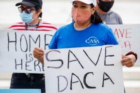"""Trump pide a los """"soñadores"""" ser optimistas pese a sus amenazas al DACA"""