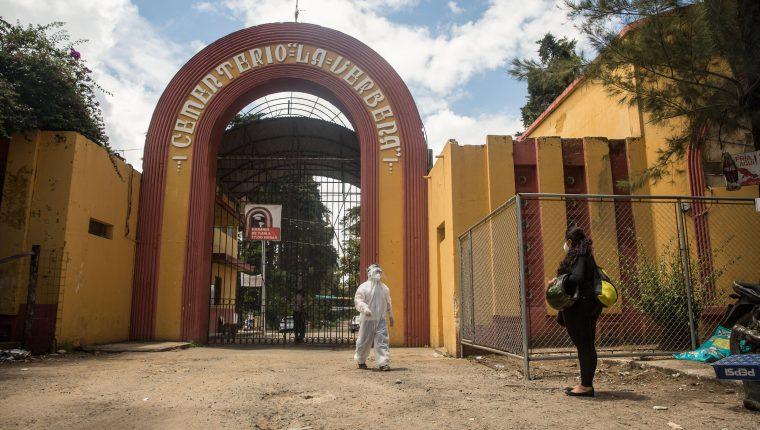 Cementerio La Verbena, Guatemala. (Foto Prensa Libre: EFE)