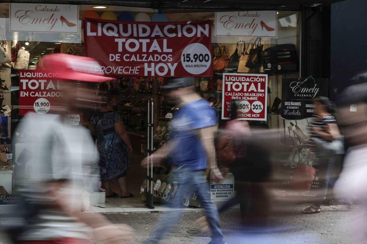Coronavirus: Costa Rica abrirá cines, tiendas y pone fecha para reapertura de aeropuertos