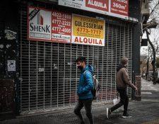 Locales comerciales han cerrado en muchas partes del mundo a causa del coronavirus. (Foto Prensa Libre: EFE)