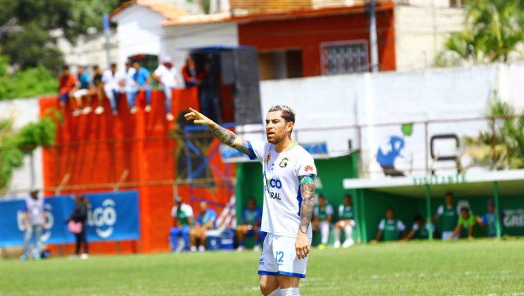El volante nacional Jean Márquez jugará con Mixco en la Primera División. (Foto Prensa Libre: Hemeroteca PL)