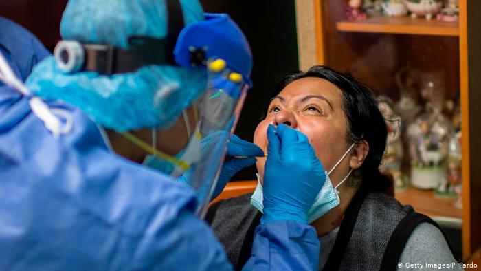 No sirve ser más joven: comorbilidades les cuesta la vida a más pacientes de COVID-19 en América Latina