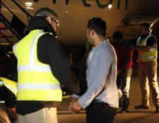 Los migrantes antes de ser deportados pasan por una inspección médica. (Foto Prensa Libre: Hemeroteca PL)