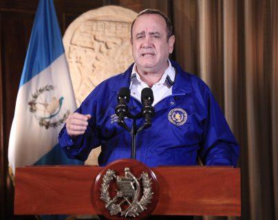 Presidente retoma disposiciones presidenciales rigurosas por coronavirus y regula el tránsito de vehículos durante 14 días