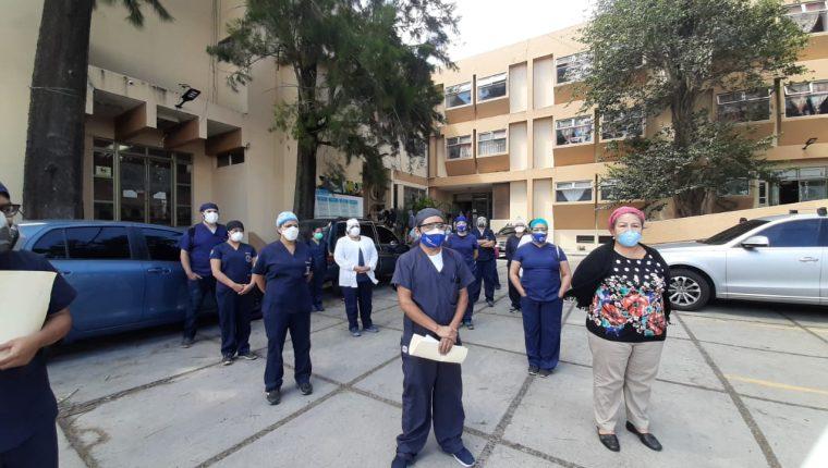 El gremio de médicos pide entrega de insumos de protección para enfrentar la pandemia de coronavirus luego de de tres meses de emergencia. (Foto Prensa Libre: Hemeroteca PL)