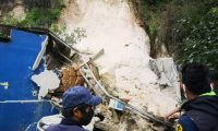 Derrumbe en Ciudad San Cristóbal, Mixco. (Foto Prensa Libre: Municipalidad de Mixco).