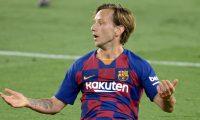 Ivan Rakitic terminó su etapa con el Barcelona y regresa a Sevilla. (Foto Prensa Libre: AFP)