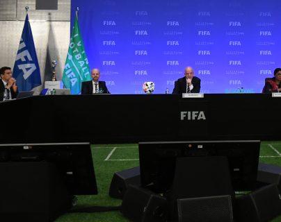 La Fifa ayudará a todas las federaciones miembro para que puedan ayudarse por la pandemia de coronavirus. (Foto Prensa Libre: AFP)