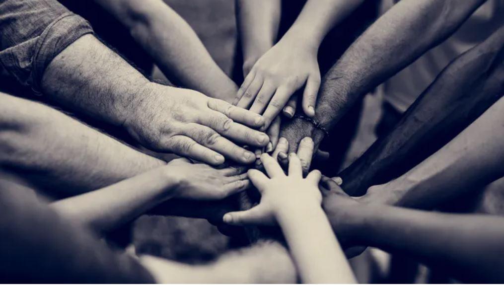 ¿Es el sentido de comunidad la mejor medicina ante la adversidad?