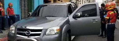 Vehículo en el que se transportaba José Guadalupe Hernández. (Foto Prensa Libre: Bomberos Municipales).