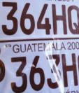 Muestra de placas alteradas, según denuncias que ha recibido el Ministerio de Gobernación. (Foto Prensa Libre: Mingob).