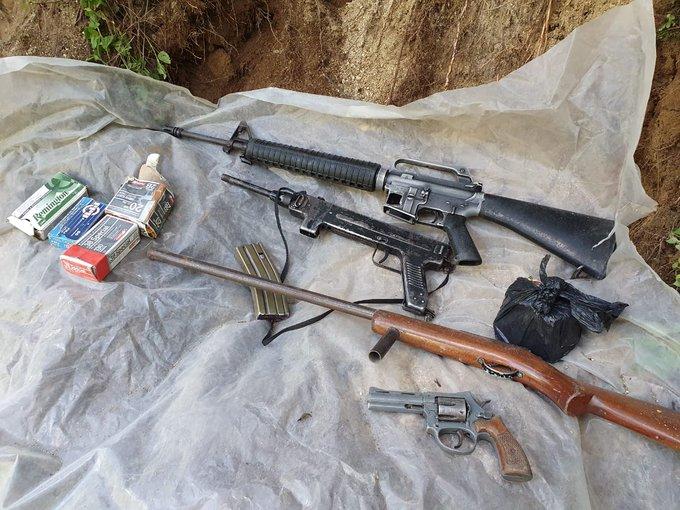 Fotos: Hallan armas largas y municiones en una aldea de Nahualá