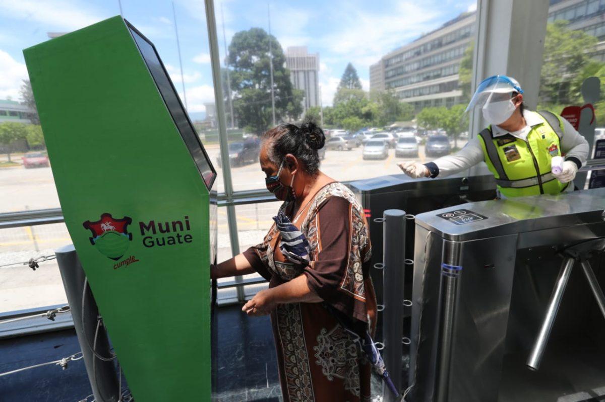 Más de 15 mil pasajeros participaron en ensayo de funcionamiento del Transmetro (Municipalidad espera aprobación de protocolo)